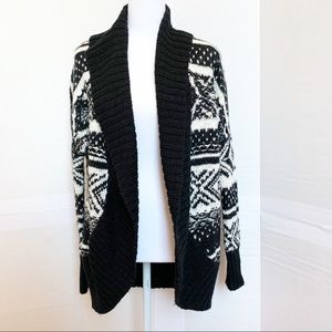 Abercrombie and Fitch geometric pattern cardigan